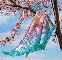 Heklet sommersjal i pastellfarger