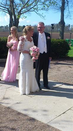 Brudklänning med spets