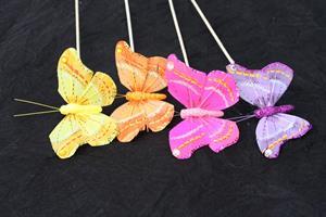 Fjäril mix på 50cm lång pinne, glitter 36/fp