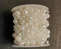 Pärlor på tråd vit mix 3/8mm