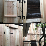 """Bild 10. En """"tidslucka"""", ett fönster mot förr gjordes för att kunna se den vackra timmerväggen och dess patina med diverse verktygsspår och detaljer som kan ses och där utförarna av arbetet kunde signera arbetet."""