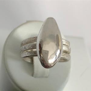 Ställbar silverring med droppe