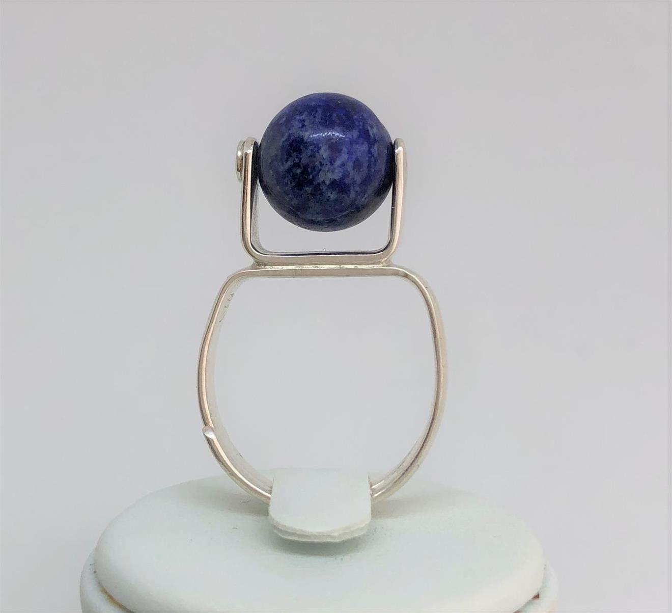 Ställbar ring i silver med Lapis lazuli