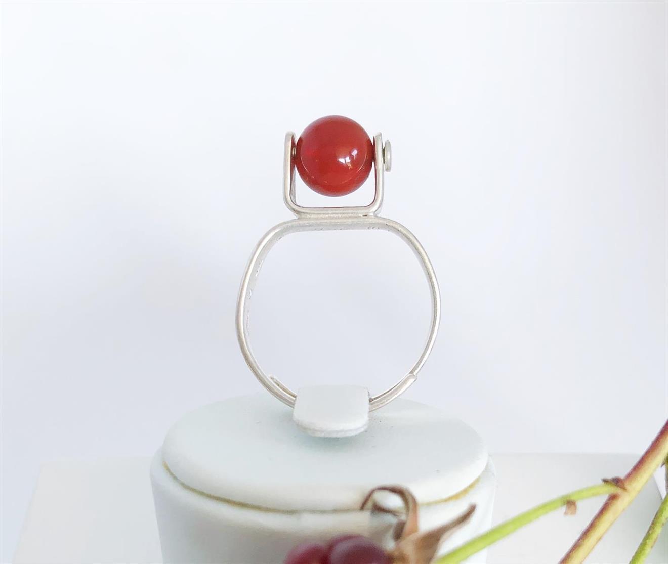 Ställbar ring i silver med karnoel