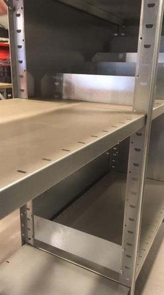 Gavel Metro 300x2100 mm öppen galvad
