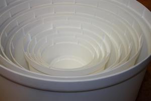Kruka kont vit plast 8-30 cm