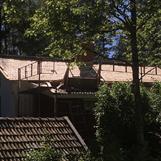 Läggning av 3-lags undertak av stickespån i samarbete med Jörgen Rånge Knapegårdens Bygg & Hantverk åt Backstugansvänner sommar 2017.