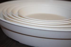 Fat plast vit olika storlekar