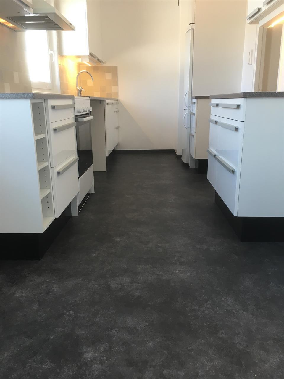 Köksrenovering- golv-/kakel/måleriarbeten