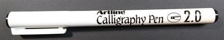 Penna artline calligraphy 2,0