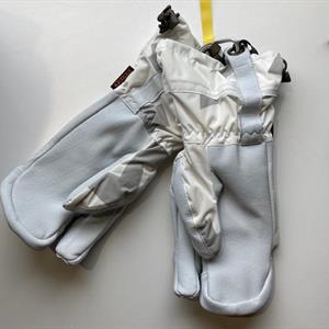 Taiga RF 3 Finger Glove 6