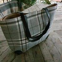 Stor väska grårutig