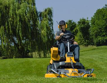 Smart, helt enkelt. Kanske har du drömt om att kunna klippa din gräsmatta och sedan vara klar (utan en massa efterarbete)? Stigas åkgräsklippare är lösningen, klipp och du är klar!