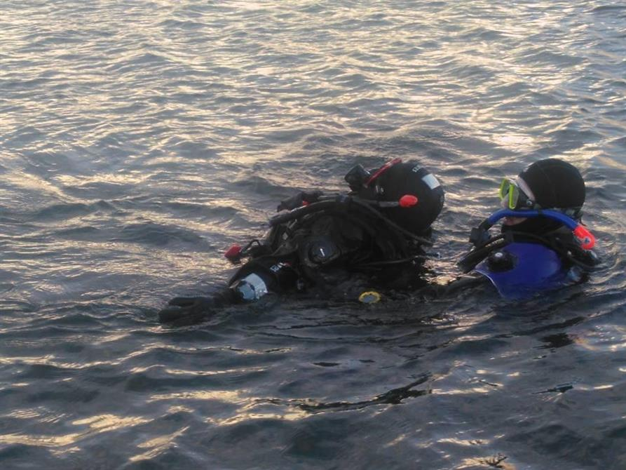 Bogsering vid en Rescue diver kurs