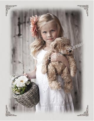 Postkort Linnea med bamse