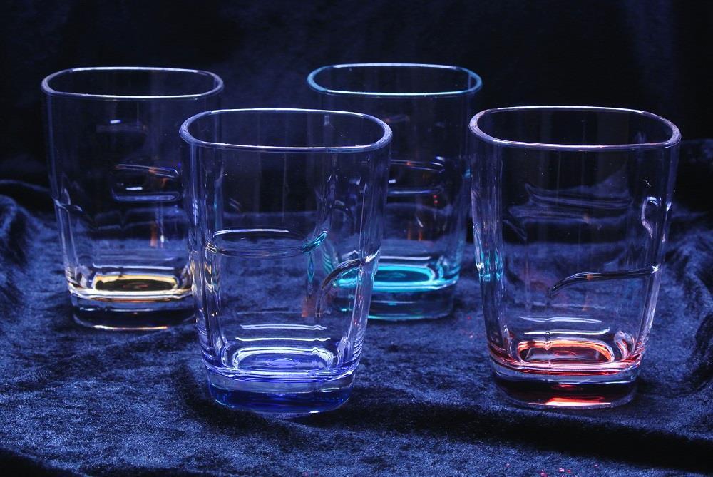 Färgade rutiga glas 4-pack