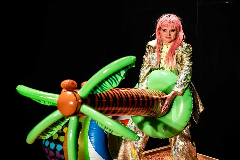 Peer Gynt - Hålogaland Teater - Director: Eline Arbo - Costume Design: Christina Lovery - Foto: Gisle Bjørneby 2019