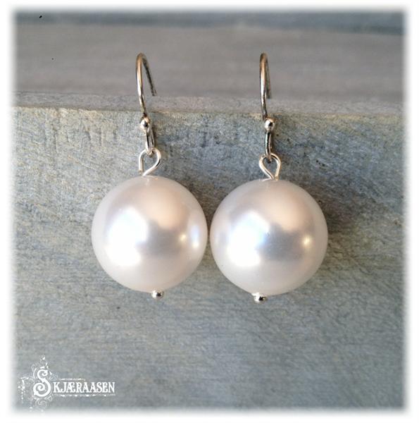 Hvit perle 14mm med 925ss krok