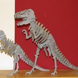 Laserskuren byggsats dinosaurier, står som prydnad på vårt kontor