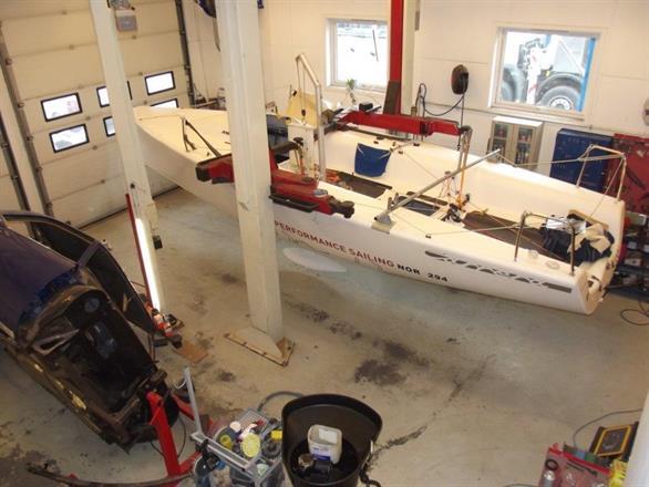 Klargjøring for Coppercoatbehandling - regattabåt