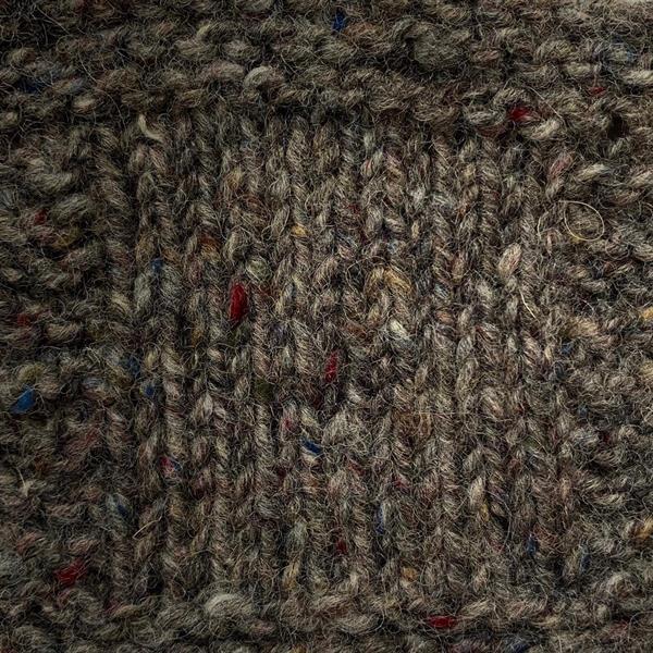 """15. """"Grå"""" Kilcarra tweed"""