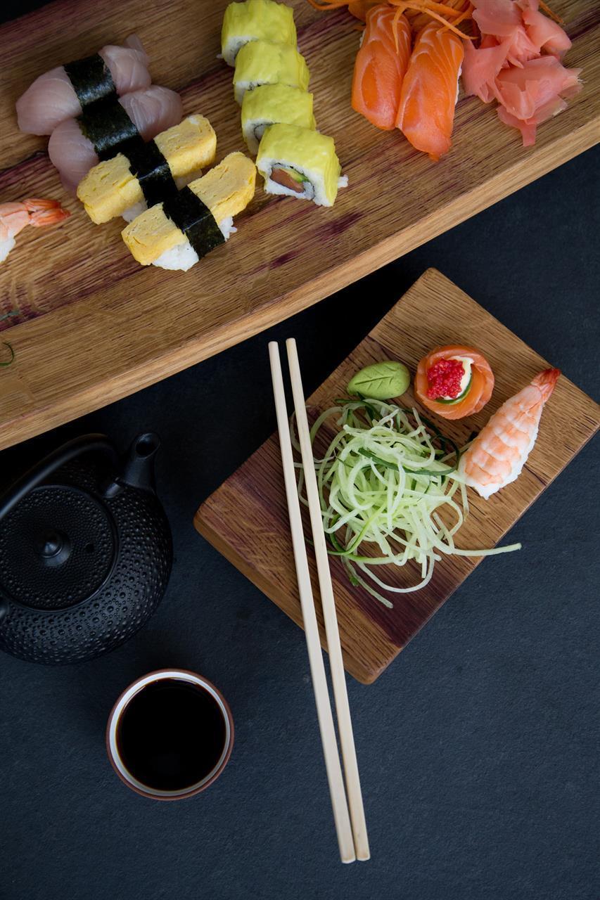 Litet serveringsfat, sushi/tapas assiett