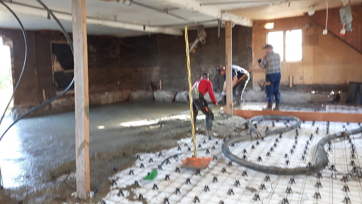 Halva jobbet gjort när golvet är lagt.