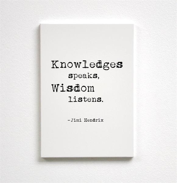 Trätavla A5, Knowledges speaks, vit/svart text