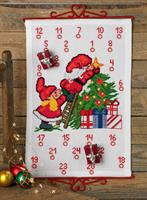 Julkalender Nissar pyntar granen