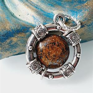Hänge halsband -bronzit /Beskydd sten