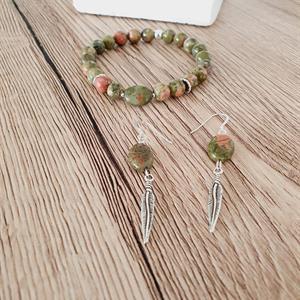 Armband i unakit stenar /grön