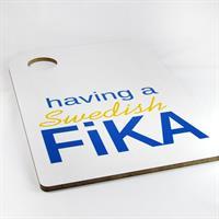 Skärbräda, Swedish Fika, vit/blå-gul text