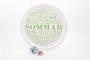 Bricka rund 31 cm, Sommar, vit/grön text