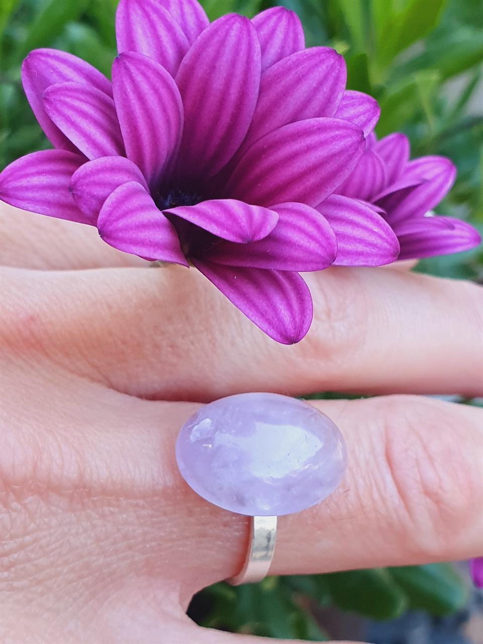 Silverring med lila ametist sten infattning