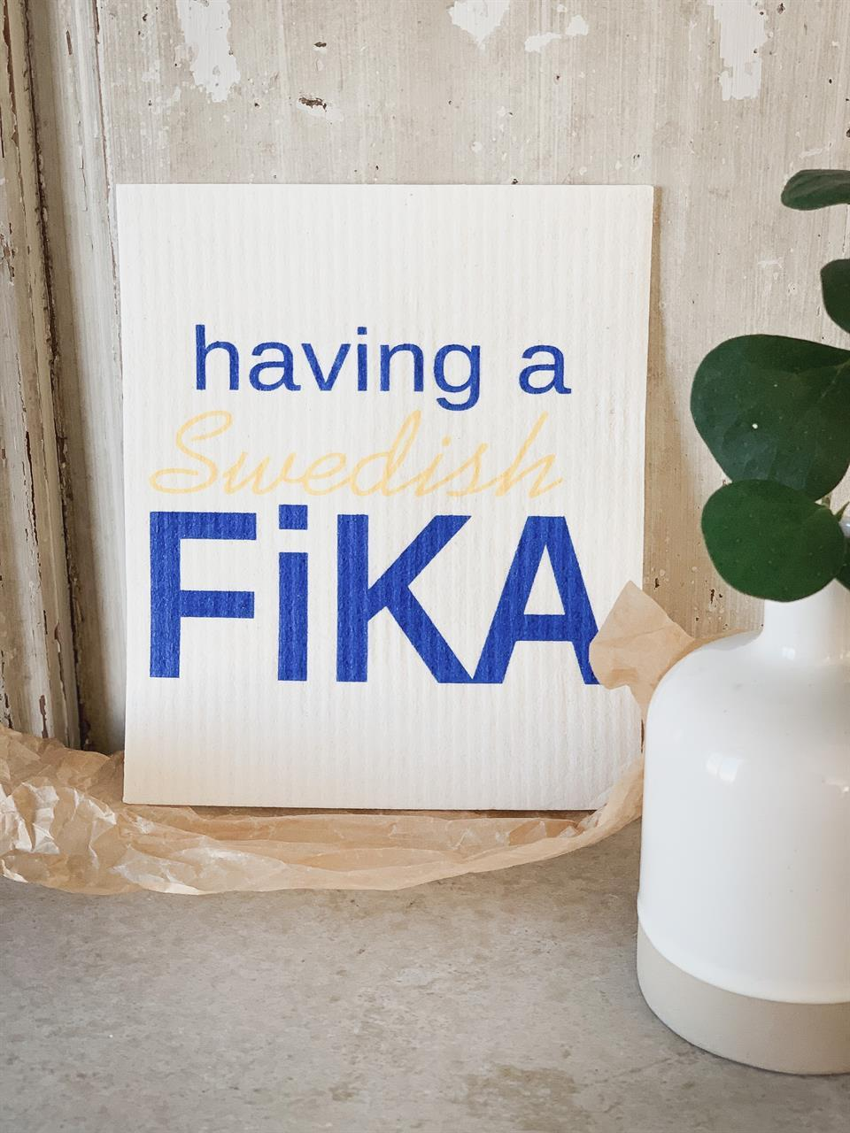 Disktrasa, Swedish Fika, vit/blå-gul text