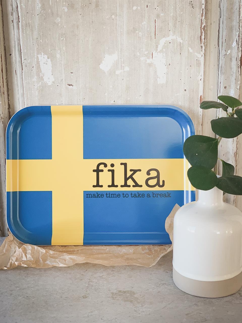 Bricka 27x20 cm, Make time FIKA, svenska flaggan