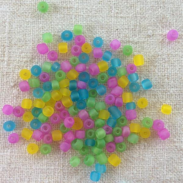 Cirkusmix frostade glaspärlor 4mm