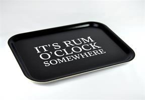 Bricka 27x20 cm, Rum o´clock, svart/vit text
