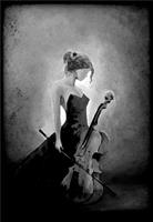 Åse Juul - Lady with cello B/W