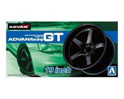 ADVAN RACING GT 19inch