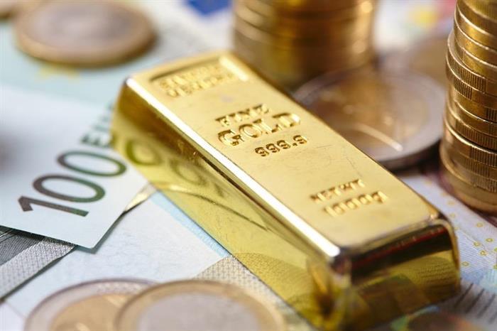 Investors keep flocking to gold, push metal to three-month high