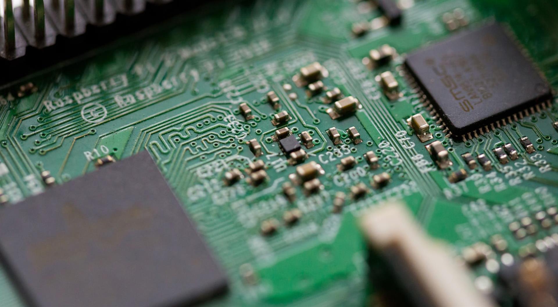 tyhjiögeneraattori elektroniikkateollisuus