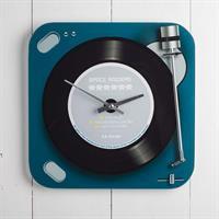Klocka vinyl space