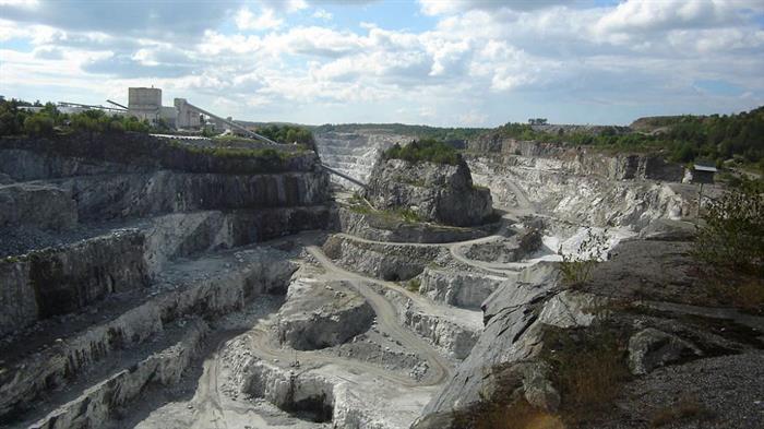 Finland vill ändra gruvlagen i fråga om malmletning och gruvdrift.