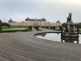 Drottningholm har en underbar park och trevlig fika vid Caramellan