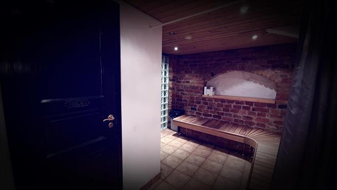 Pukuhuone +WC