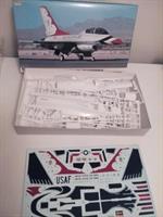 F-16D Fighting Falcon 'Thunderbirds'
