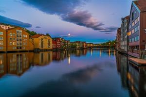 Aziz Nasuti-Summer midnight over Trondheim