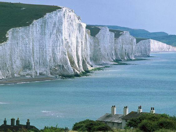 Recent increases in the retreat rate of chalk cliffs in southern England