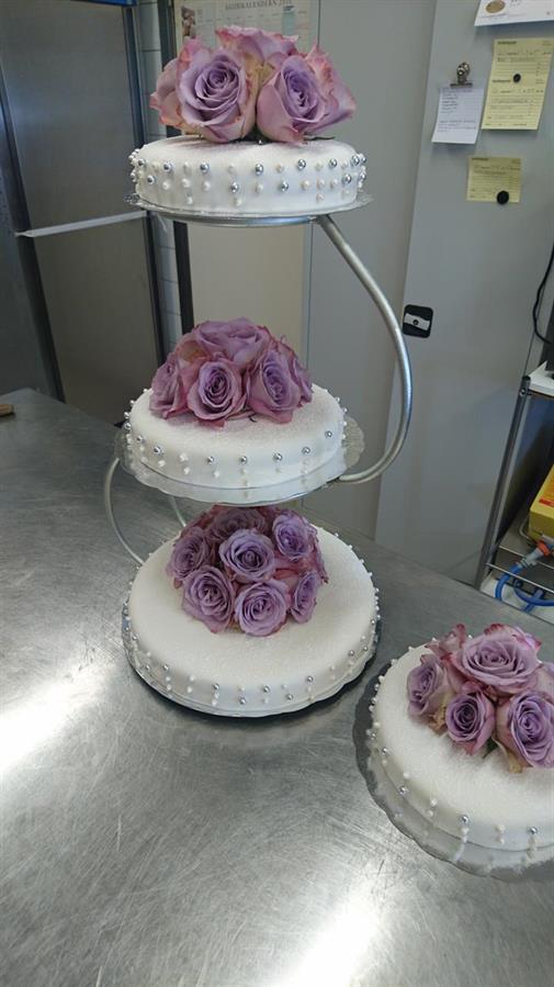 Bröllopstårta för ca 50 personer